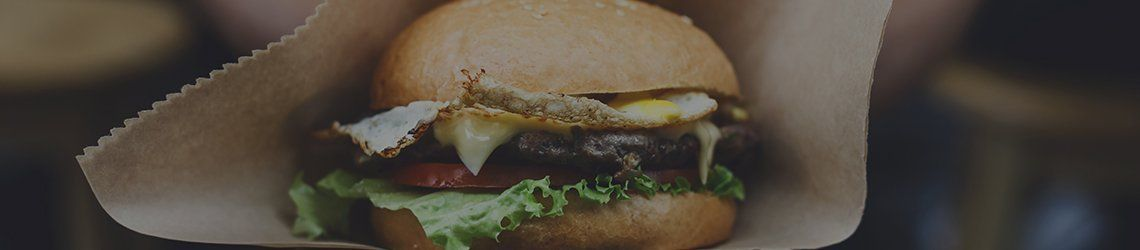 Vetvrij hamburger friet papier